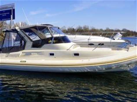 gommone cabinato usato solemar 32 cabinato in pto viareggio gommoni usate 55485