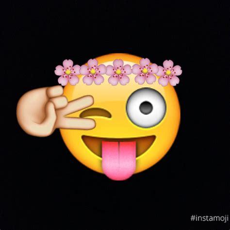 Wallpaper Emoji Smile | untitled image 2358561 by maria d on favim com