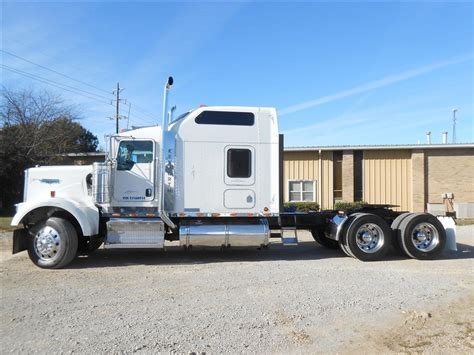 Kenworth W900 Studio Sleeper For Sale by Used 2007 Kenworth W900 86 Studio Tandem Axle Sleeper