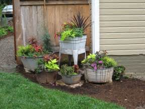 Flower Tubs Planters Wash Tubs Pots Re Purposed Into Awesome Primitive