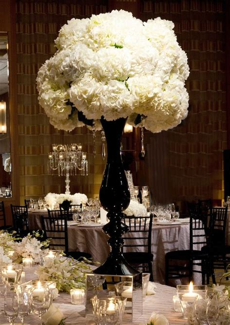 the dramatic look of all white centerpieces hydrangea