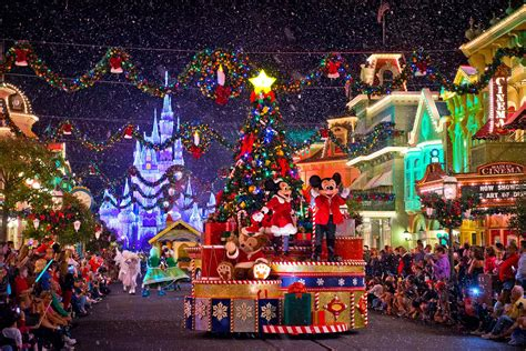 when do disney lights go up decorations disney world 2015 ideas