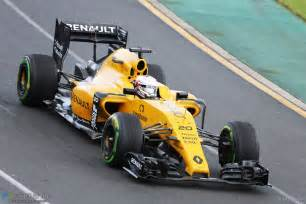 Parks Of Hamilton Renault Side By Side F1 S Wide New Look Hits The Track 183 F1 Fanatic