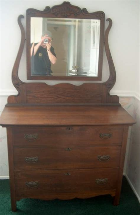 Dresser Antique by Antique Dressers With Mirrors Antique Dresser With