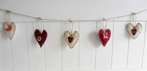 Handmade Garland - 22 unique handmade garland ideas to try with your