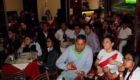 imagenes peru venezuela per 250 vs venezuela la hinchada peruana siempre presente