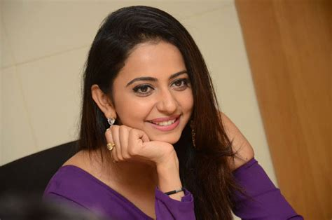 How To Be A Heroine by Review 2016 Rakul Heroine Of The Year