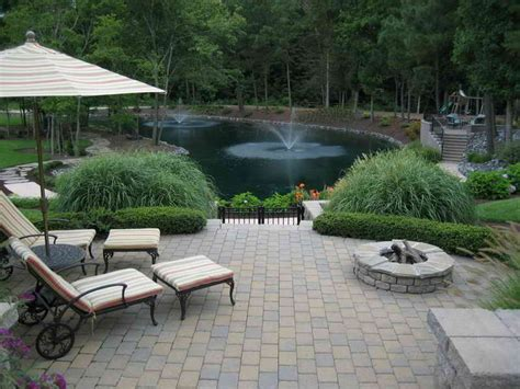 gardening landscaping easy maintenance backyard water