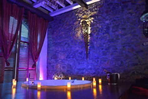 chambre insolite avec la suite le nirvana chambre avec et piscine ideal