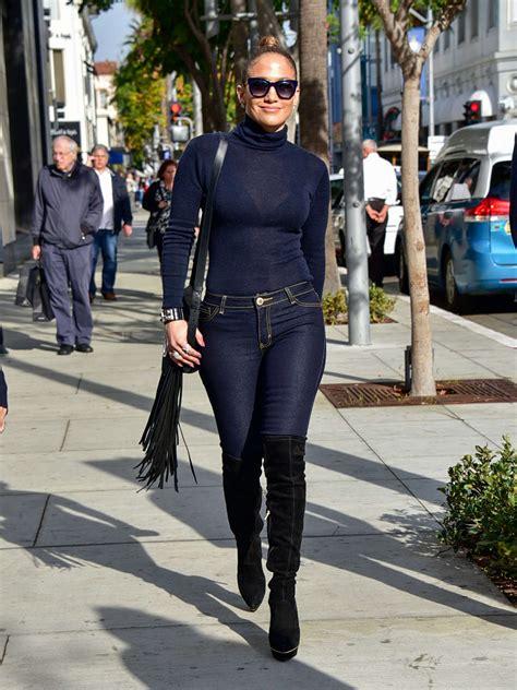 skinny jeans in or oyt in 2015 jennifer lopez booty in skinny jeans 03 gotceleb