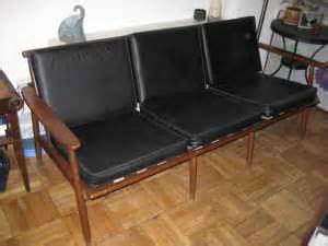 Dc Craigslist Furniture by Dc Finds The Best Of Dc S Craig S List Modern Sofa