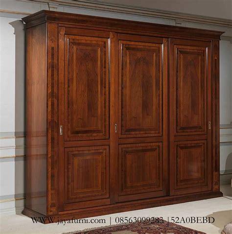 Lemari Pakaian Tiga Pintu lemari baju klasik 3 pintu mewah jepara jayafurni mebel jepara jayafurni mebel jepara