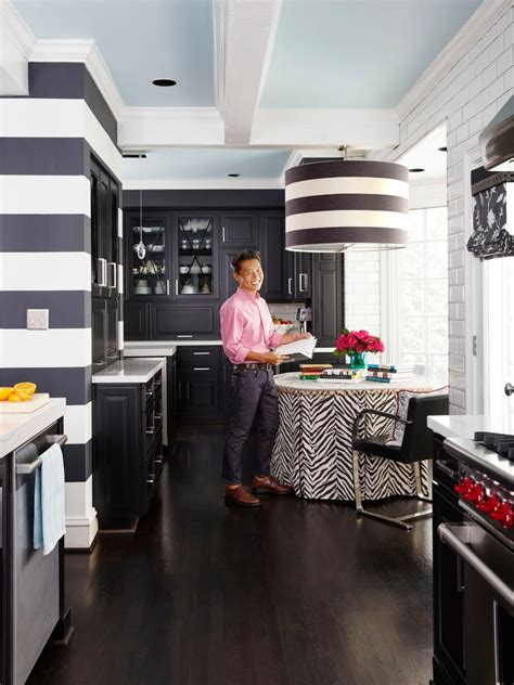 vern yip designs tour vern yip s remodeled kitchen in atlanta hgtv