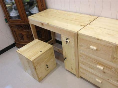 Kursi Belajar Bekas ide kreatif dari kayu bekas palet pabrik jati belanda