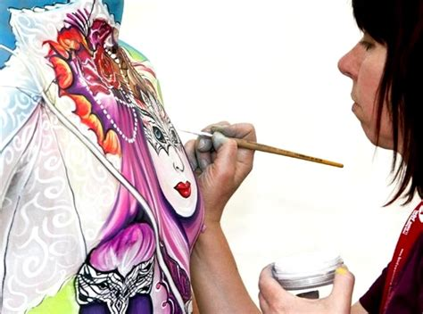 festival bodypainting dunia indonesia news paper foto festival dunia bodypainting 2011