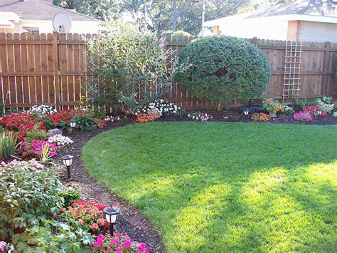 corner flower bed ideas best 25 corner landscaping ideas on pinterest corner