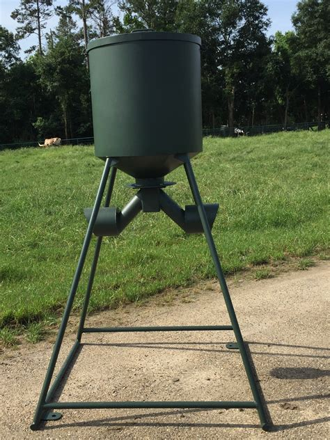 A Feeder Outback Wildlife Feedersspecialty Feeders 100lb To 300lb