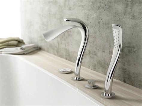 robinets salle de bains salle de bain design inspir 233 e par une chute d eau mon