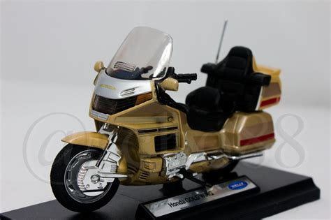 Die Cast Motor Honda Rc 51 welly die cast honda gold wing 1 18 collection