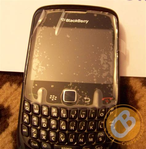 restart blackberry gemini curve first live photos of the gemini blackberry curve 8520