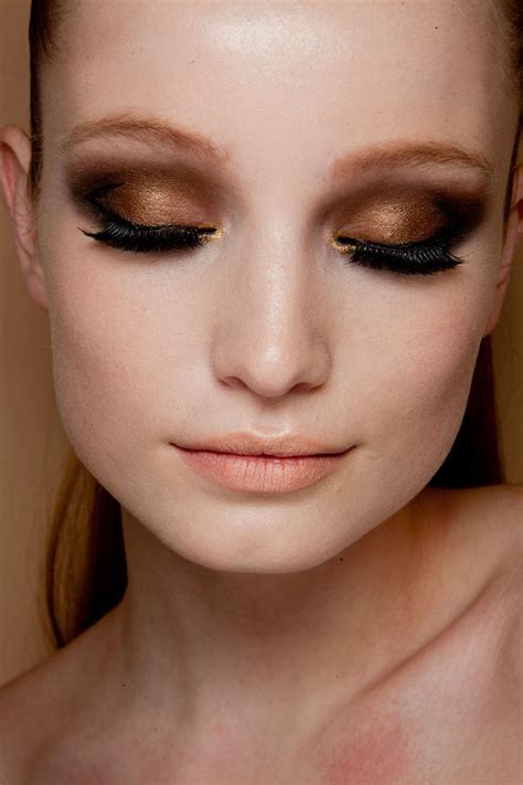 Makeup Versace from versace summer 2012 show copper and black shades eye makeup make up fantasies