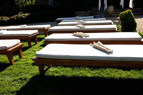 wedding benches unique outdoor wedding seating ideas decozilla