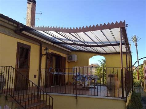tettoie in ferro e policarbonato tettoie in ferro pergole e tettoie da giardino
