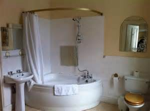 Corner Bath Shower Combo Best 25 Corner Tub Ideas On Pinterest