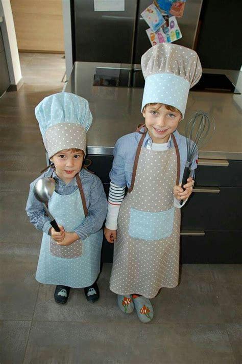 deguisement cuisine tablier et toque de cuisinier enfant projets 224 essayer