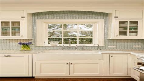Kitchen Window Size Sink by Windows Above Kitchen Sink With Backsplash Ideas