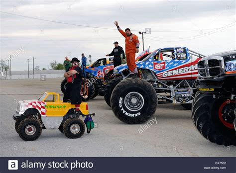 monster truck freestyle videos 100 monster truck freestyle videos awakens