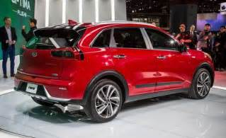 2017 kia niro hybrid photos and info news car and driver