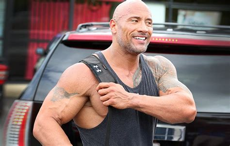 how much can dwayne johnson bench how much can dwayne the rock johnson bench press dwayne