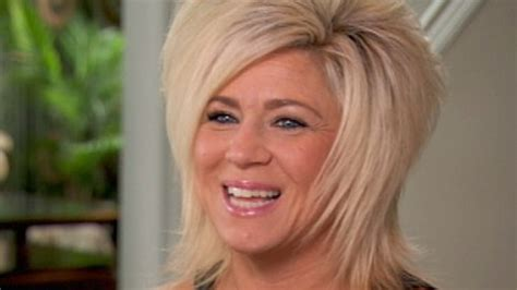 what is theresa caputos real hair color is theresa caputo a real or fake psychic medium can talk