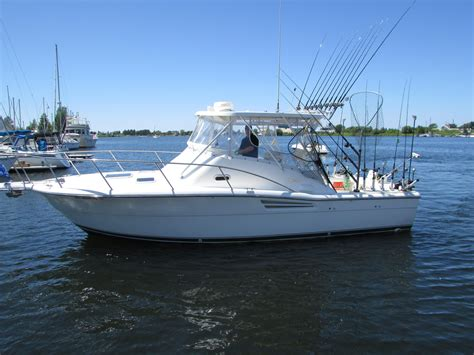 offshore boats for sale michigan 2002 used pursuit 3000 offshore cruiser boat for sale