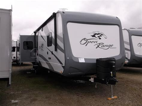 travel trailer with king bed 2017 open range roamer 323rls travel trailer with king bed