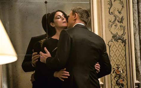 Kaos Bond Spectre Rsoy spectre tv special looks at the history of bond as clip arrives