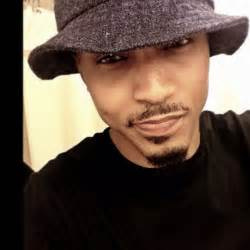what of haircut does august alsina in need of a haircut so i m up under dat bucket