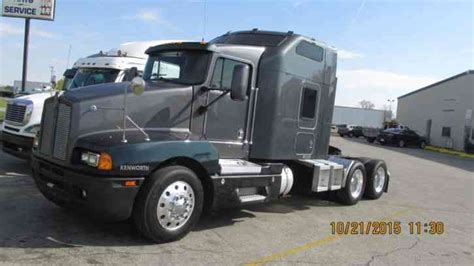 Kenworth T600 2004 Sleeper Semi Trucks