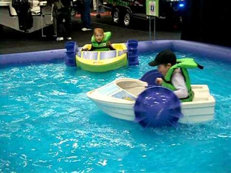 kids paddle boat the kids in paddle boats youtube