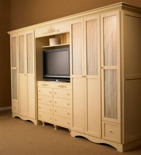 Bedroom Wardrobe Wall Unit This Style Of Clothes Unit With Spot For A Tv Http Www