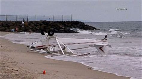 boat crash ohio river 2 dead 3 missing in ohio river boating accident video