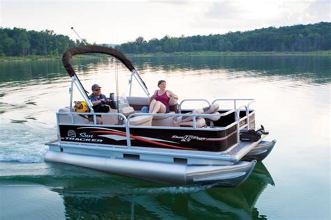 best small pontoon boats 2017 check out these 7 best pontoon boats of 2017