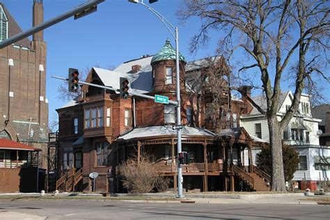 haunted houses peoria il peoria il what a fantastic old turn of the century mansion hope it s still a single