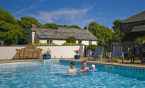 cornwall cottage holidays we accept pets pet friendly hotels b bs self