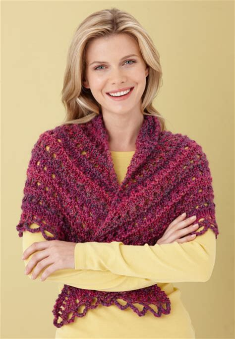 splendid triangle shawl  lion brand homespun lb