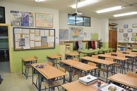 Calendario Escolar Uca 2015 Pequefelicidad C 211 Mo Montessorizar Un Aula P 218 Blica Con 13