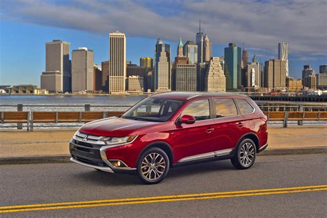 mitsubishi suv 2016 updated 2016 mitsubishi outlander suv brings much needed