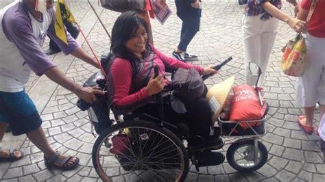 Kursi Roda Kota Malang sintha naik kursi roda dari yogyakarta ke balai kota dki