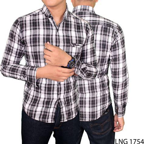 Kemejalengan Panjang Flanel Hitam Putih 8232 kemeja panjang pria kotak flannel hitam putih lng 1754